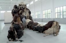 """Das monumentale Kunstwerk """"""""Giant n°3"""""""" des chinesischen Künstlers Zhang Huan © Les Poissons Volants"""