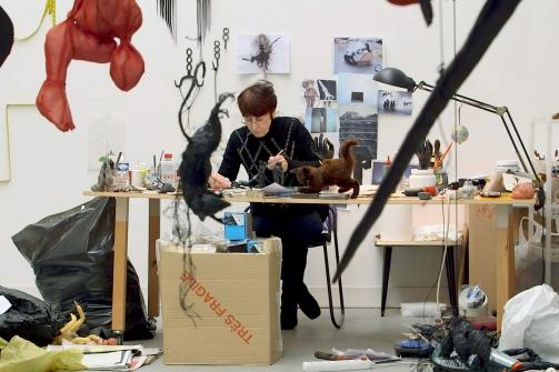 Annette Messager in ihrem Atelier - Copyright: RB/SR/WDR © phlox films