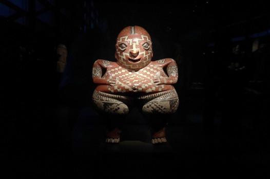 Aztekenskulptur im Musée du quai Branly - Jaques Chirac © Jörg Jung